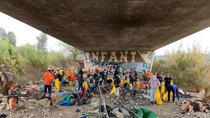 Cover for Ventura County agencies, students team up to clear trash from Ojai river bottom