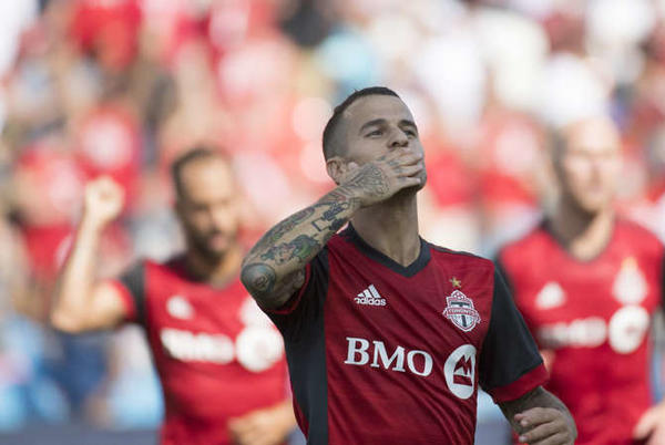 Picture for Report: Sebastian Giovinco, Toronto FC agree 'in principle' to bring striker back to the club