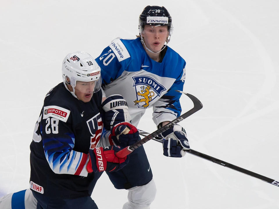 nhl-draft-kings-trade-up-three-times-on-second-day