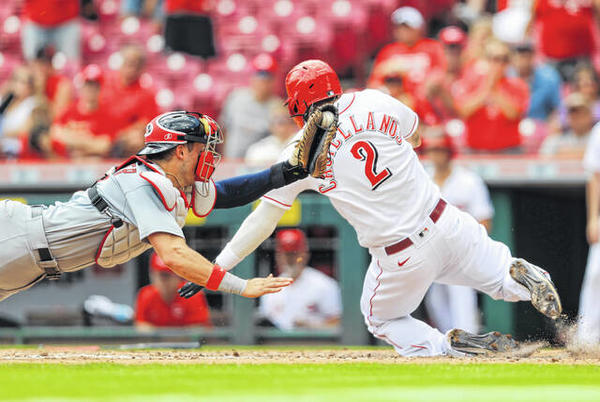Picture for Reds win DH split with card