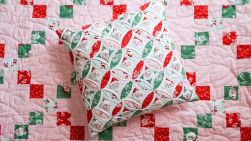 Christmas In July Huntsville Quilt Show 2020 Santa Claus Lane – Christmas Quilt & Pillow + Binding Tutorial