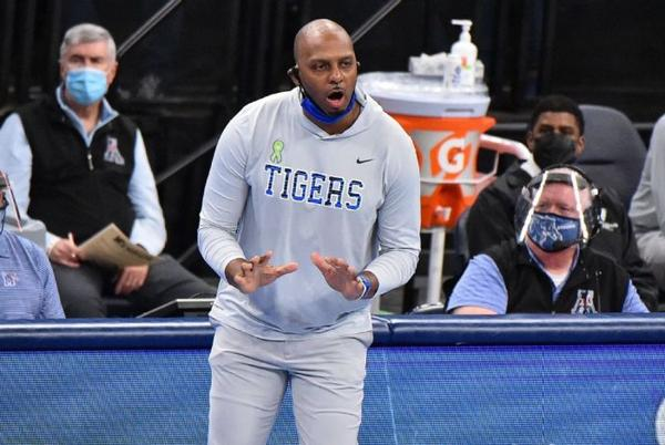 Picture for Will Memphis live up to the hype in 2021-22? College basketball coaches weigh in