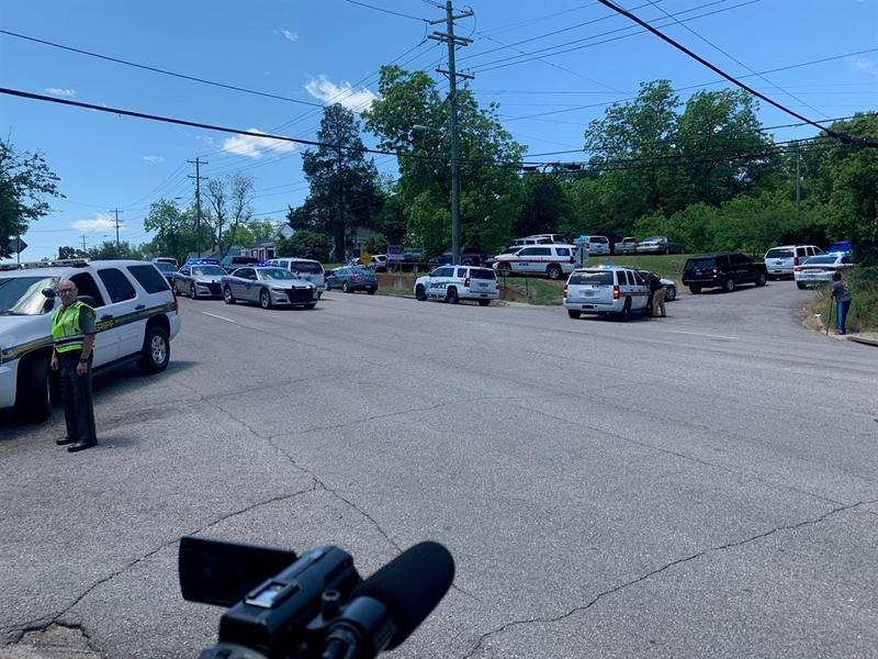 police  suspect takes his own life after shooting and