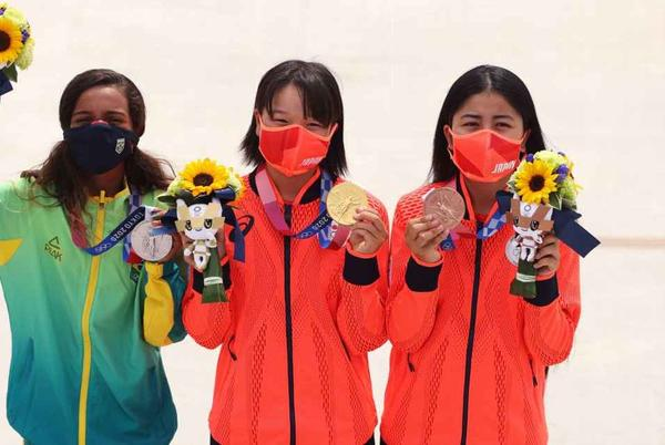 Picture for Momiji Nishiya, 13, gives Japan sweep in Olympic street skateboarding; Brazil's Rayssa Leal, also 13, takes silver