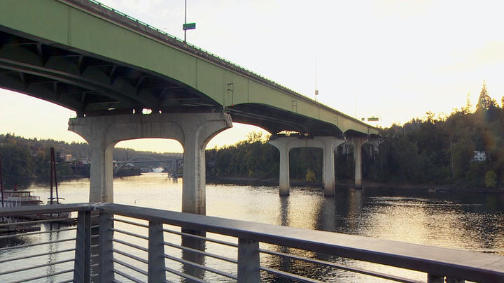 Cover for Tolls planned for Abernethy Bridge; some drivers less than excited