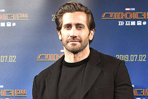 Picture for Jake Gyllenhaal Clarifies Whether He Showers After Controversial Bathing Habit Comments