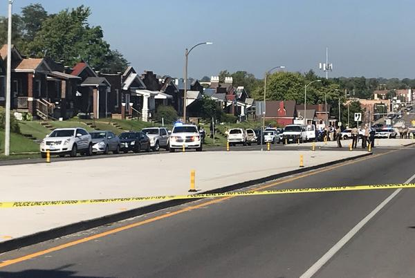 Picture for St. Louis Police chase suspects after witnessing a shooting