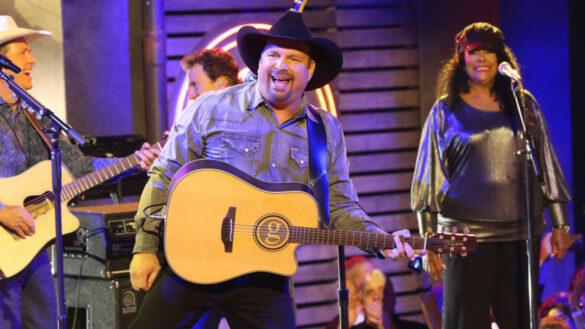 Picture for Garth Brooks Cancels Concert After Thousands Flock to Nashville