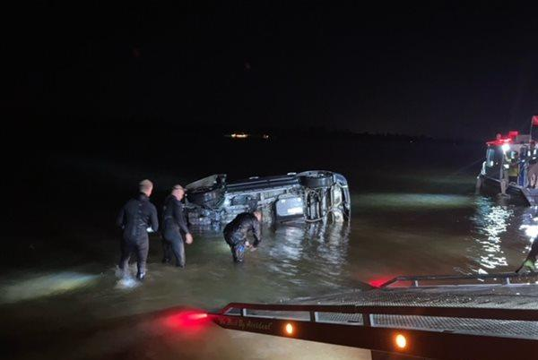 Picture for Submerged SUV recovered from Ohio River