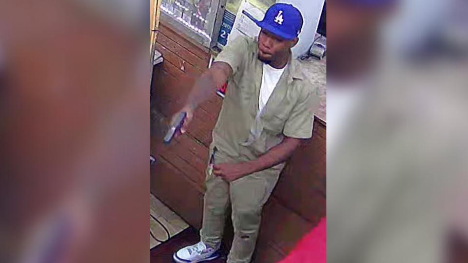Picture for Man wanted for shooting at Arkansas grocery store, police say