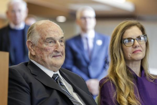 Picture for Nebraska billionaire, philanthropist Walter Scott dies at 90