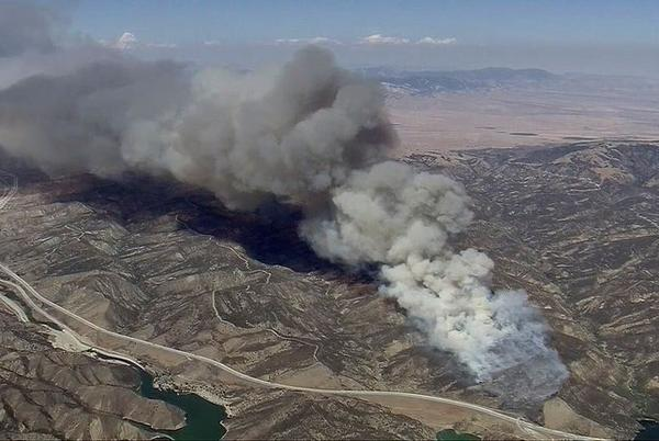 Picture for Emigrant Fire: Big rig fire sparks fast-moving wildfire off 5 Freeway in Gorman area