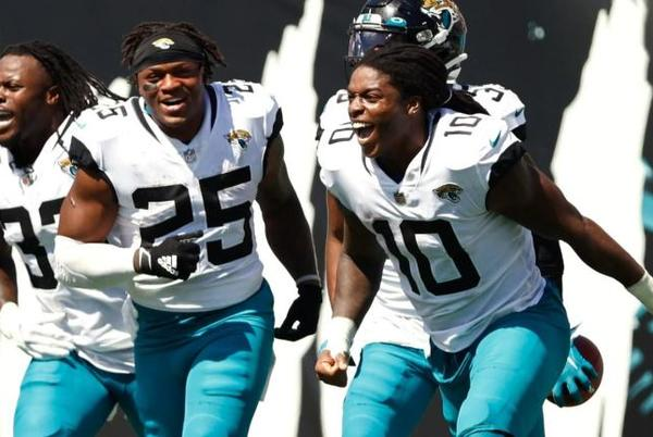 Picture for Jaguars tie NFL record for longest play with crazy 109-yard return TD off of missed 68-yard field goal