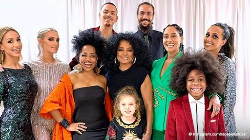 Diana Ross Poses With Her Children And Grandkids In Heartwarming Picture After 2019 Grammys News Break