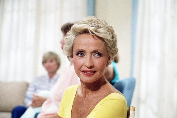 Picture for Jane Powell dies at 92: Actress starred in Hollywood's golden age musicals