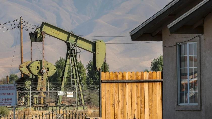 Picture for California regulators again delay health rules to protect people near oil and gas sites