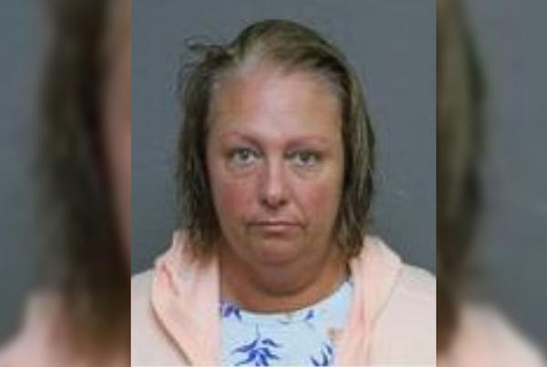 Picture for Woman accused of assaulting Navy sailor she accused of wearing fake uniform at Conn. restaurant