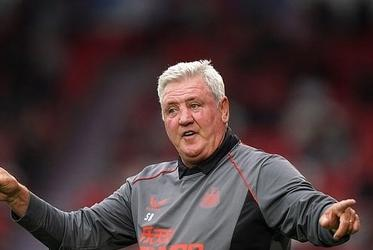 Picture for 'The lack of respect shown has been unbelievable': Steve Bruce's son Alex says Newcastle boss has been badly treated and made the 'fall guy' with Saudi owners expected to sack him