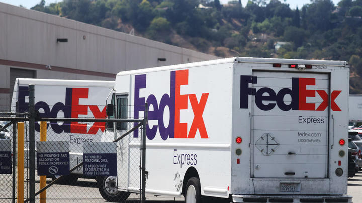 Cover for Portland Daily Round Up: FedEx labor shortage delays Portland deliveries, PBOT launches $5M St. Johns road project