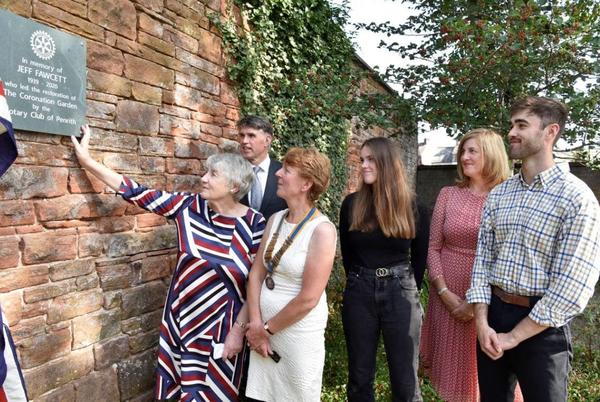 Picture for Plaque unveiled in memory of man who led restoration of Coronation Garden