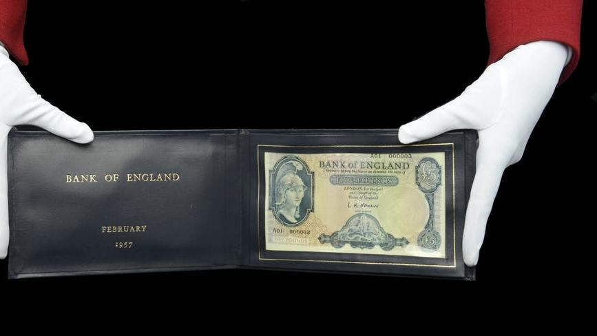 Picture for £5 banknote presented to Harold Macmillan sells for £22,000