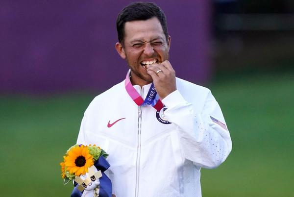 Picture for With 2 clutch putts Xander Schauffele gives U.S. gold in golf