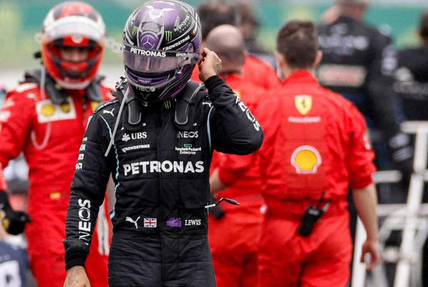 Picture for Palmer: 'Lewis now favourite for the first time this year'