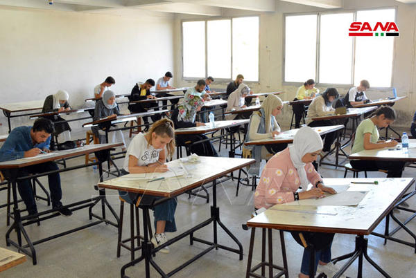Picture for 635 male and female students sit for the entrance exam to the Faculty of Architecture at Al-Baath University