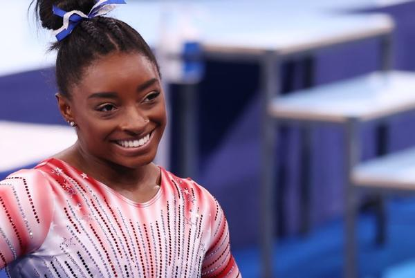 Picture for Olympic gymnastics live updates: Simone Biles wins bronze on beam in last day of event finals