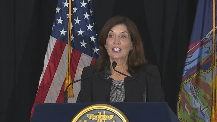 Cover for Gov. Hochul releases plan to prevent hospital shortages after Monday's vaccine deadline