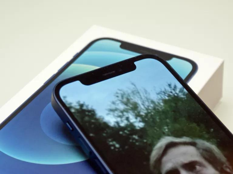 iphone-13-notch-will-apple-switch-to-an-under-display-camera-in-2021
