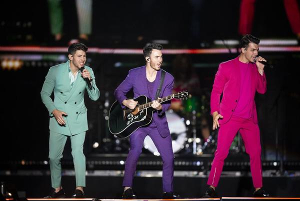 Picture for Jonas Brothers, apple festivals, Brian Regan and more: Things to do this week, from comedy to concerts
