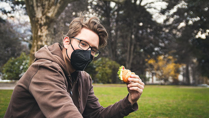 """Cover for School wants students to wear masks while chewing and swallowing food: """"Lunchtime, dangerous time"""""""
