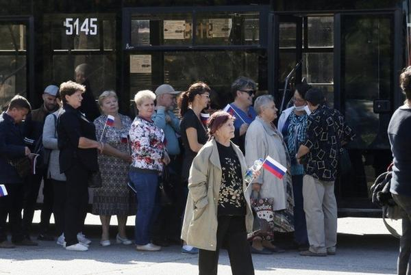 Picture for Russia election: Opposition complaints on final day of voting