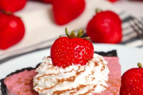 Picture for Chocolate Strawberry Cream Pie