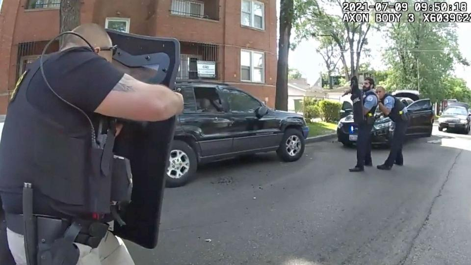 Picture for 'Watch your crossfire': Videos show wild Chicago police shooting