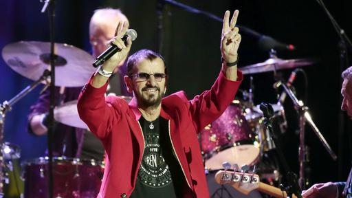 Ringo Starr Acting Naturally And Spreading Peace And Love At The Met Concert Review News Break