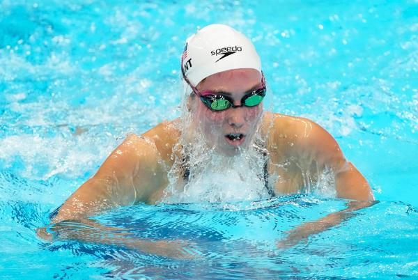 Picture for Swimmer Emma Weyant cruises in 400-meter individual medley to top lane spot in Tokyo Olympics final