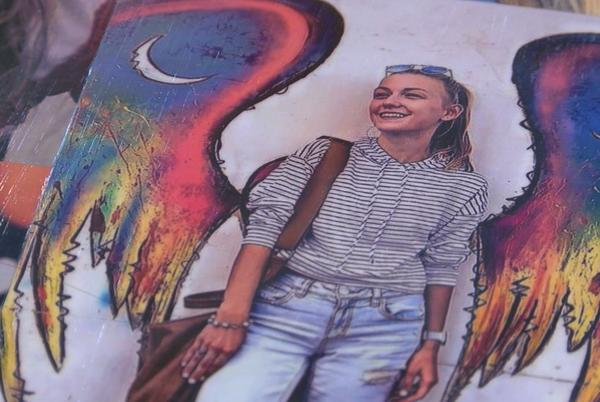 Picture for 'She was just this bright, shining light:' Gabby Petito's former coworkers in Wilmington share their memories