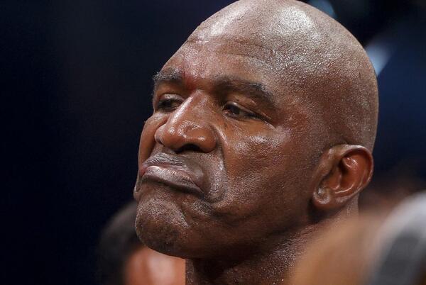 Picture for Evander Holyfield faces medical suspension after boxing Vitor Belfort