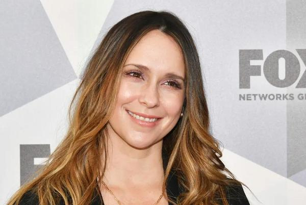 Picture for Jennifer Love Hewitt honors 9-1-1 character as she celebrates emotional news