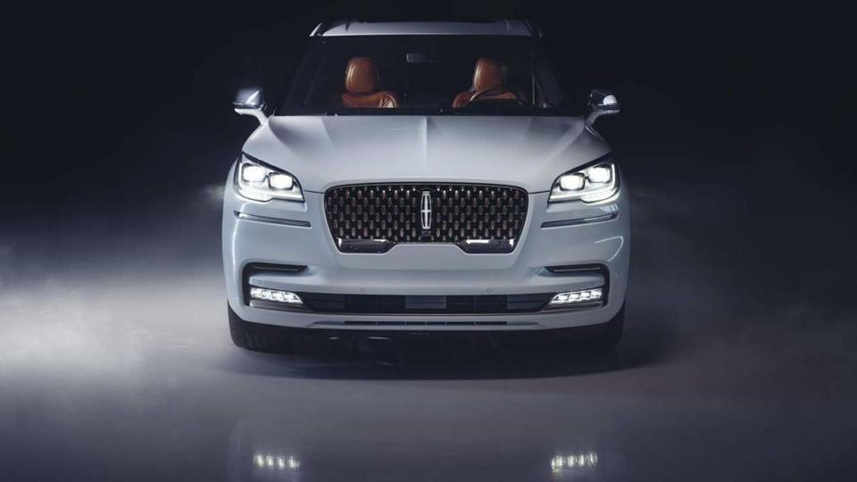 Picture for Lincoln Aviator Shinola Concept debuts August 11 at Pebble Beach
