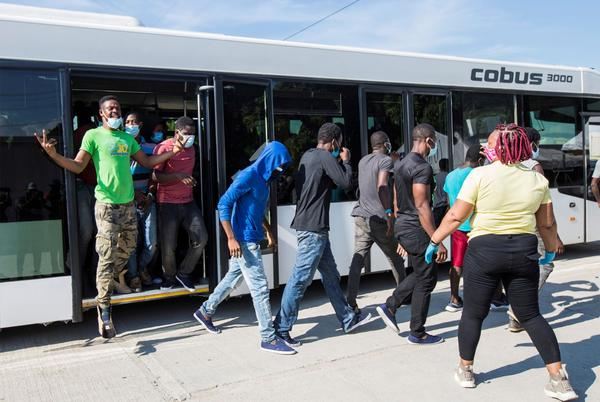Picture for Haitian migrants hijack bus, briefly escape en route to deportation flight: report