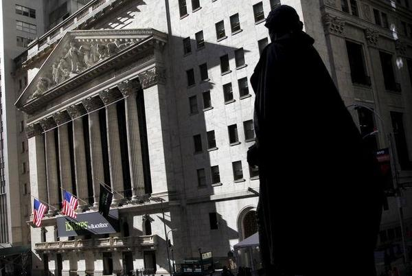Picture for U.S. Futures Ease From Record Highs as Earnings Continue