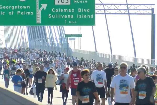 Picture for Cheserek wins 44th Annual Cooper River Bridge Run