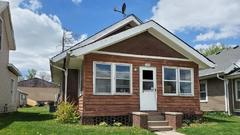 Cover for House hunt Marshalltown: See what's on the market now