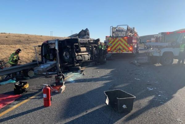 Picture for Semi vs. van crash blocks I-82 in Prosser; one seriously hurt