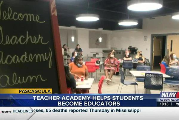 Picture for Pascagoula-Gautier School District teacher academy helps students pursue career in education