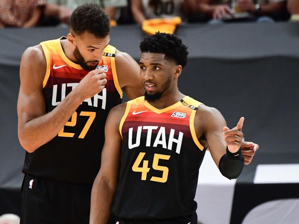 nba-playoffs-2021-donovan-mitchell-drops-37-jazz-nail-franchise-record-20-3-pointers-to-outlast-clippers-in-game-2-win
