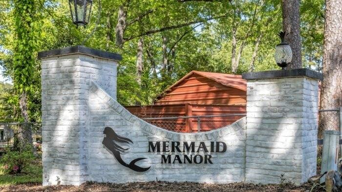 Cover for Mermaid Manor, An Airbnb In Arkansas, Is As Magical As It Sounds